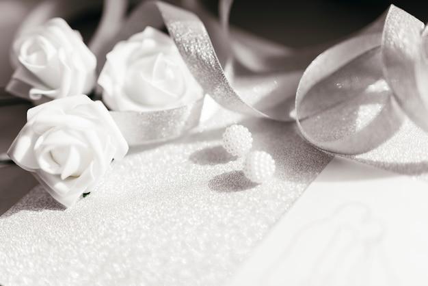 Dettagli delicati di nozze