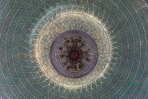 Dettagli di architettura della moschea di istiqlal nella città indonesia di jakarta