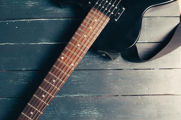 Dettaglio corpo e collo chitarra elettrica