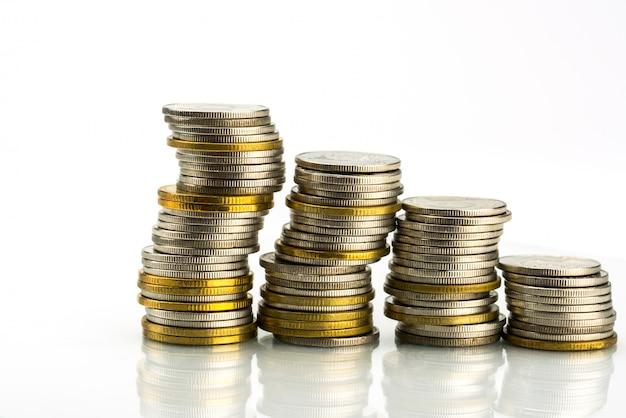 Dettaglio del colpo a macroistruzione delle pile dorate e d'argento della moneta di colore