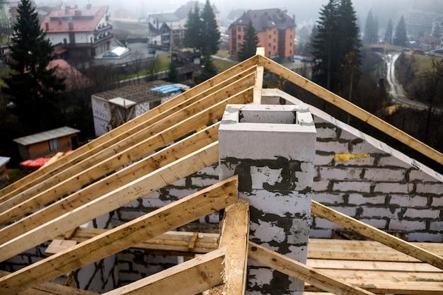 Dettaglio del primo piano del telaio del tetto