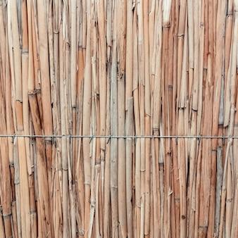 Dettaglio della priorità bassa di struttura del tetto di paglia giapponese.