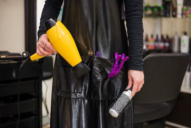 Dettaglio di parrucchiere con strumenti