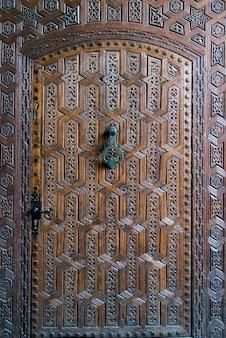 Dettaglio di una porta, museo di marrakesh, medina, marrakesh, marocco