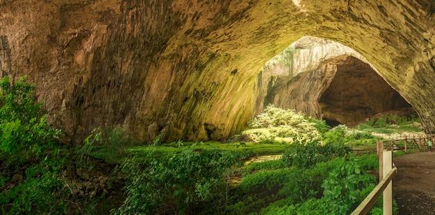 Devetashka grotta in bulgaria