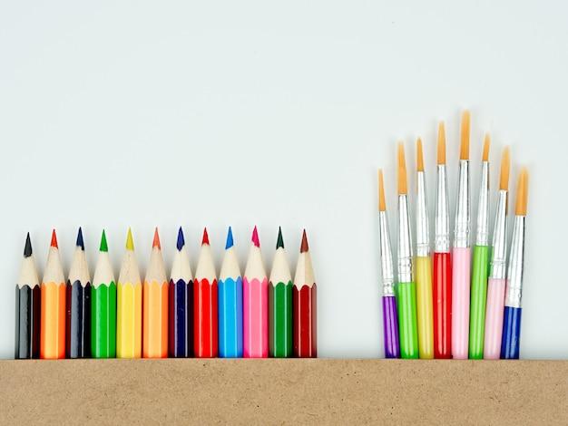 Di nuovo all'idea di concetto della scuola, attrezzatura fissa ha messo per di nuovo al concetto della scuola