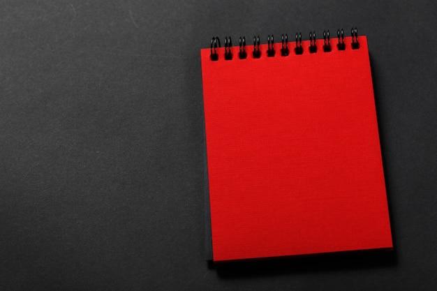 Diario di colore rosso