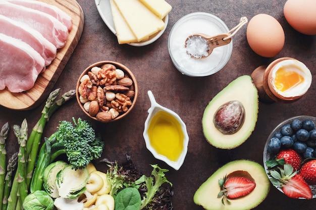 Dieta chetogenica, basso contenuto di carboidrati, alto contenuto di grassi, cibo sano