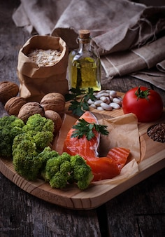 Dieta del colesterolo, cibo sano per il cuore. messa a fuoco selettiva