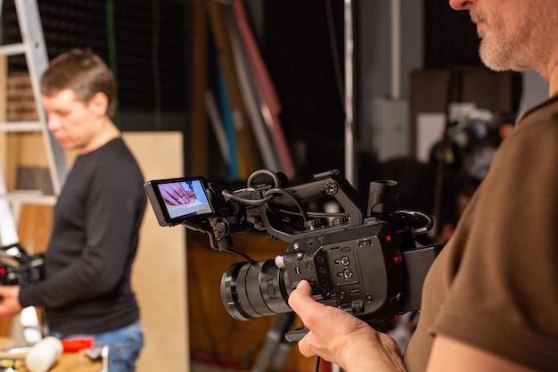 Dietro le quinte della produzione video o delle riprese video