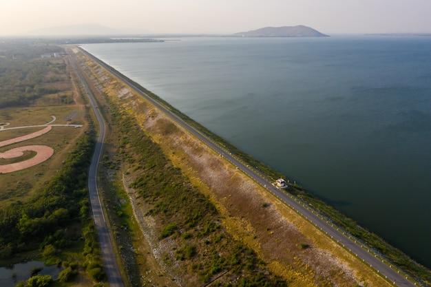 Diga jolasid di pasak in vista aerea della tailandia