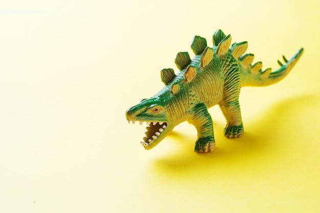 Dinosauro. giocattolo in gomma plastica
