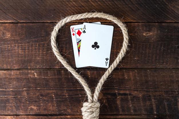 Dipendenza da carta. dipendenza dal poker. concetto di gioco d'azzardo