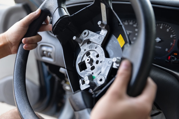 Disconnessione dell'airbag del conducente