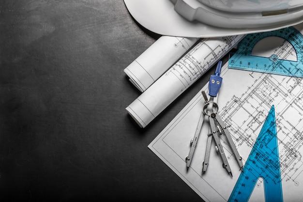 Disegni di pianificazione edilizia su fondo nero