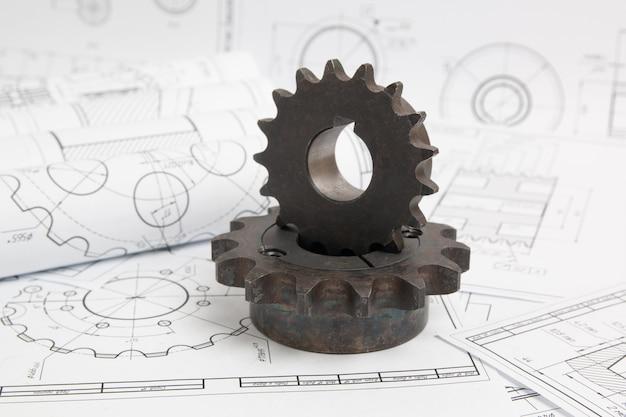 Disegni tecnici di parti e meccanismi industriali e pignoni