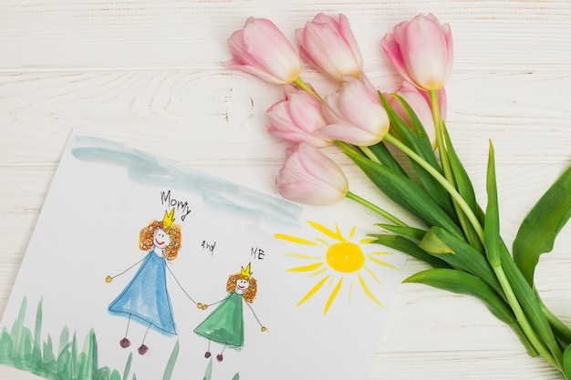 Disegno del bambino di madre e figlia con fiore