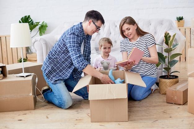 Disimballaggio di scatole mobili