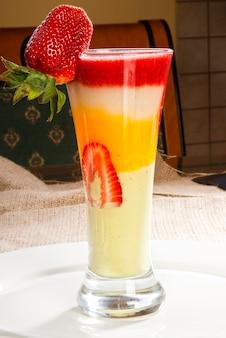 Disintossicazione dieta frullato coctail di frutta.
