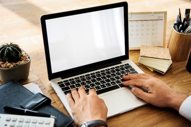 Dispositivi digitali copyspace digital laptop