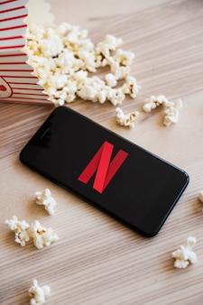 Dispositivo tecnologico con app netfilx