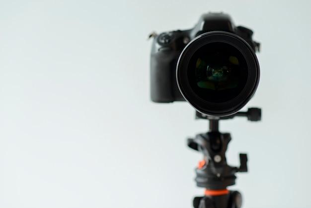 Disposizione con macchina fotografica