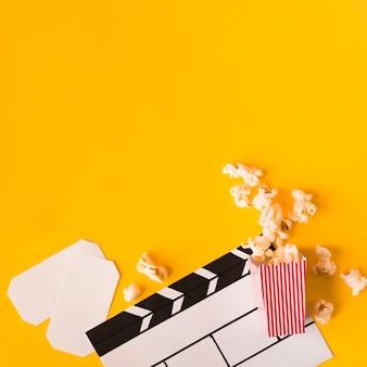 Disposizione degli elementi del cinema con lo spazio della copia