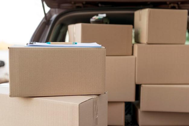 Disposizione dei pacchetti in auto