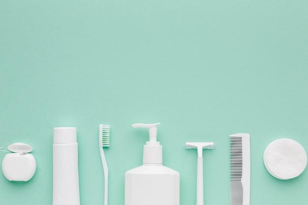 Disposizione dei prodotti di igiene copia spazio