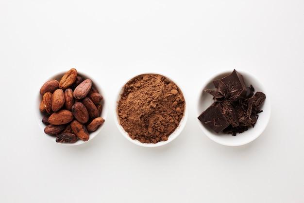 Disposizione del cacao in posizione piatta