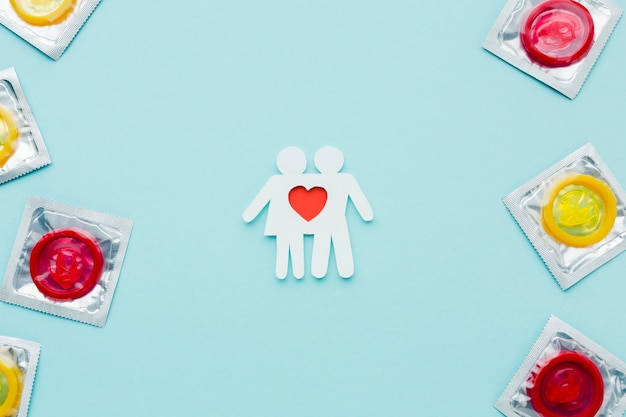 Disposizione del concetto di contraccezione con coppia di carta