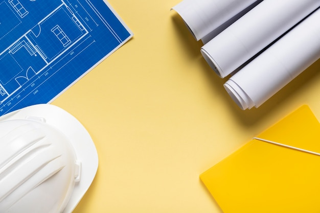 Disposizione di diversi elementi architettonici con spazio di copia