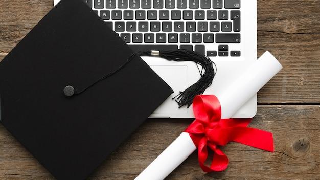 Disposizione di laurea festiva laica piatta