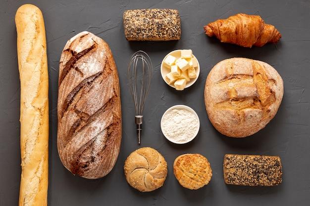 Disposizione elaborata di pane delizioso