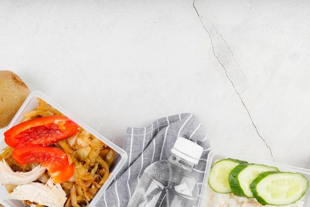 Disposizione piana del concetto dell'alimento con lo spazio della copia