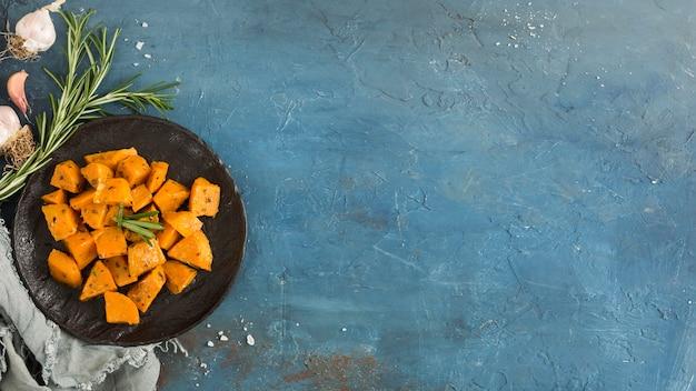 Disposizione piana del pasto della patata