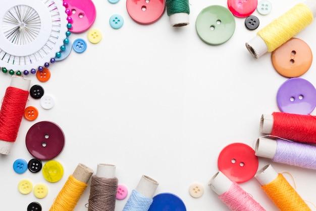 Disposizione piana del telaio del kit da cucito con spazio di copia