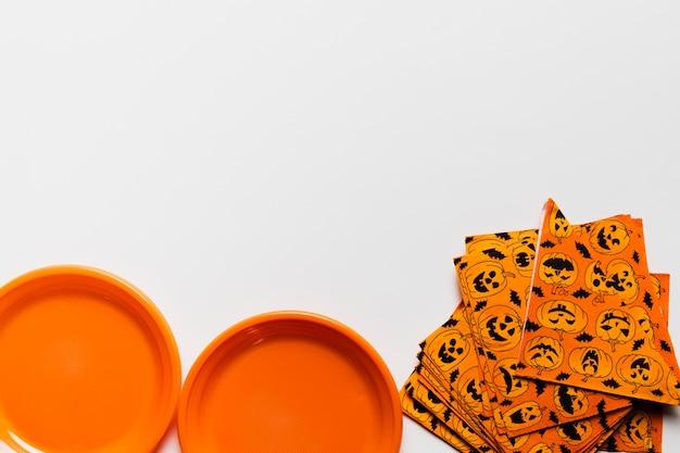Disposizione piatta con oggetti di halloween