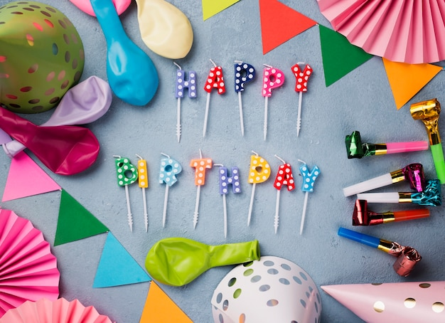 Disposizione piatta per la festa di compleanno