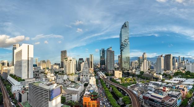Distretto aziendale di bangkok cityscape
