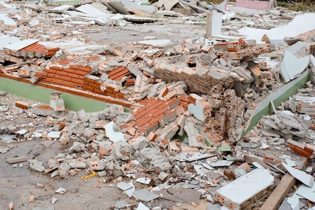 Distruzione della casa