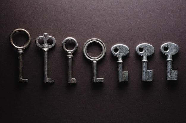 Diverse vecchie chiavi