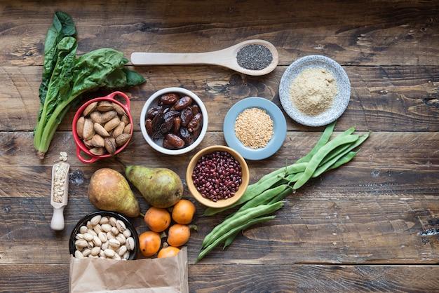 Diversi alimenti in fibra
