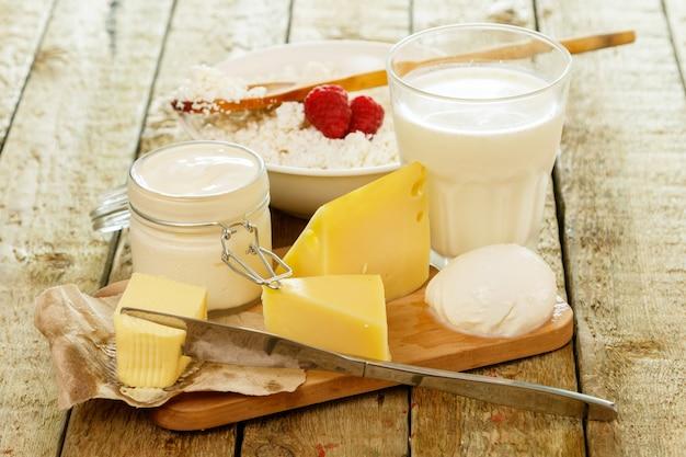Diversi prodotti lattiero-caseari