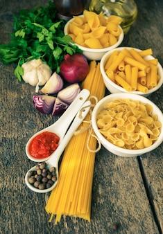 Diversi tipi di pasta italiana