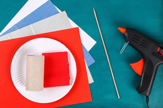 Diy 4 luglio manicotto toilette petardo, carta, colore cartone bandiera americana rosso blu bianco