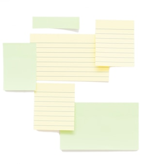 Documenti di post-it isolati su sfondo