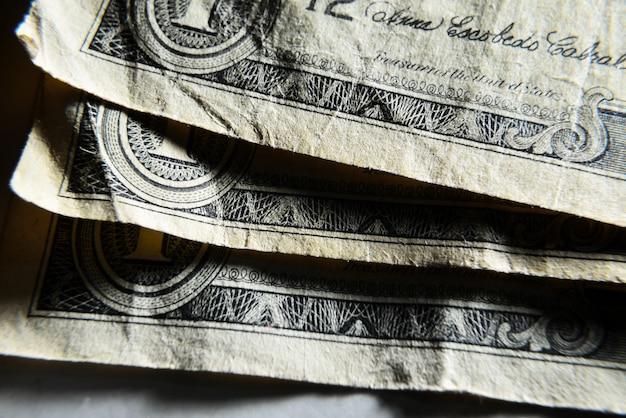 Dolar usa primo piano. vecchie fatture sgualcite avariate a macroistruzione