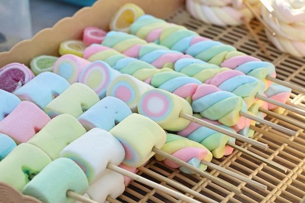 Dolce marshmallow al cibo di strada