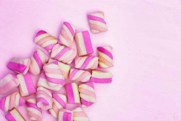 Dolcezza rosa, motivo marshmallow. tenerezza alla vaniglia.